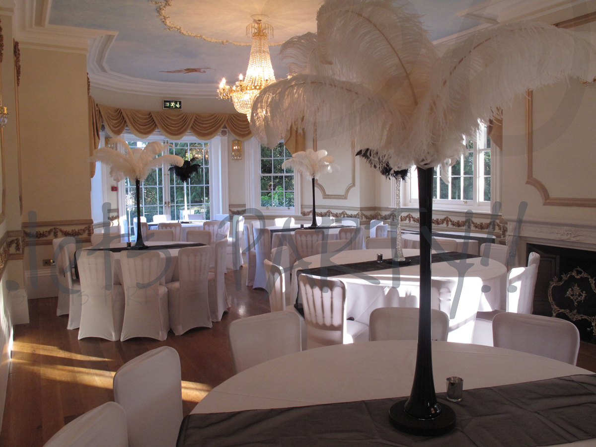 ostrich-feather-table-decoration