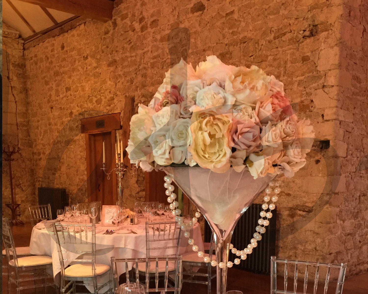 ivory-table-decoration-hire