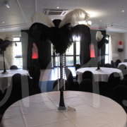 black-white-ostrich-feather-table-decoration
