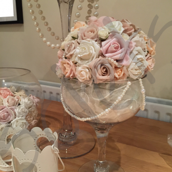 creme-pearl-table-decoration