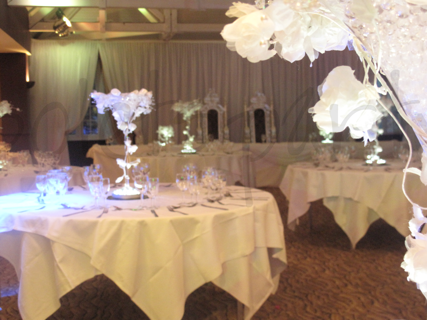 enchanted-table-decoration
