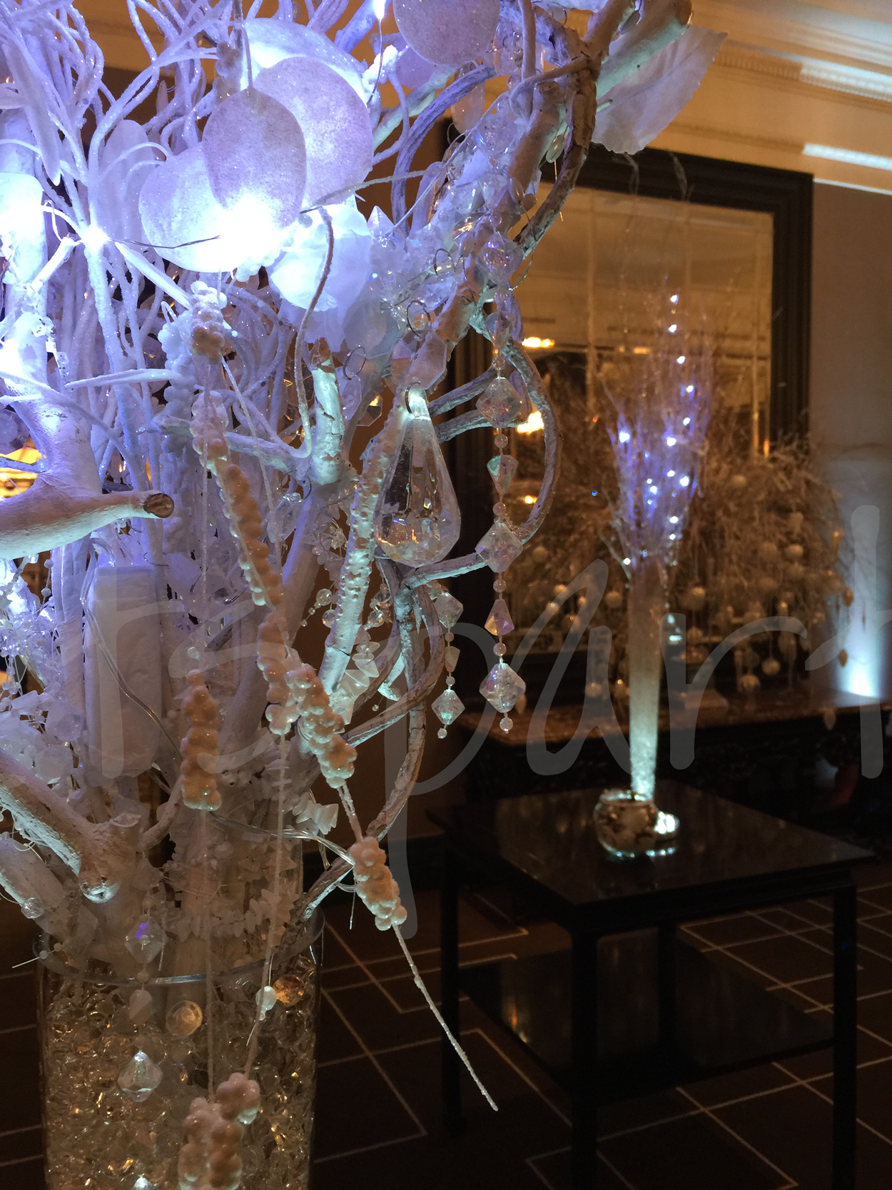 myriad-crystals-table-decoration-hire