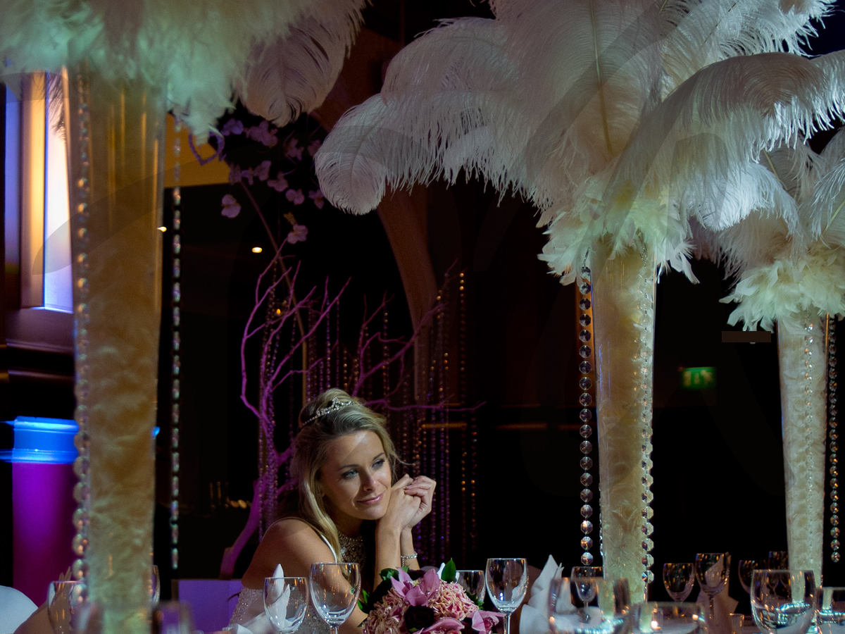 ostrich-feather-centrepiece-wedding-decoration
