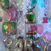 alice-wonderland-themed-party-decorations