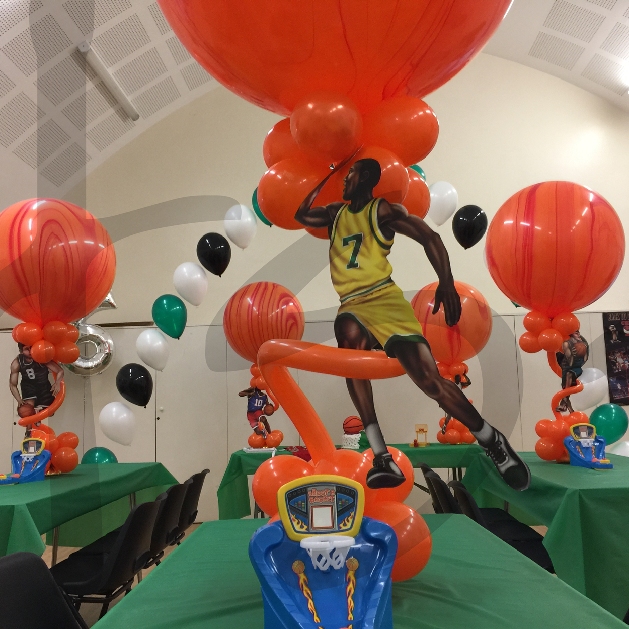 basketball-theme-party-teenager