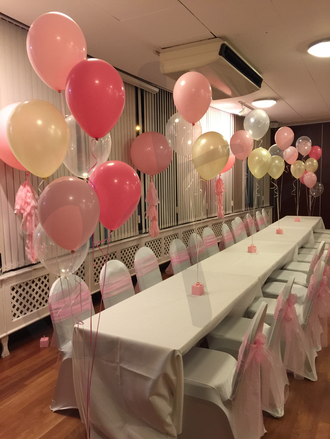 pink-party-balloon-decorations