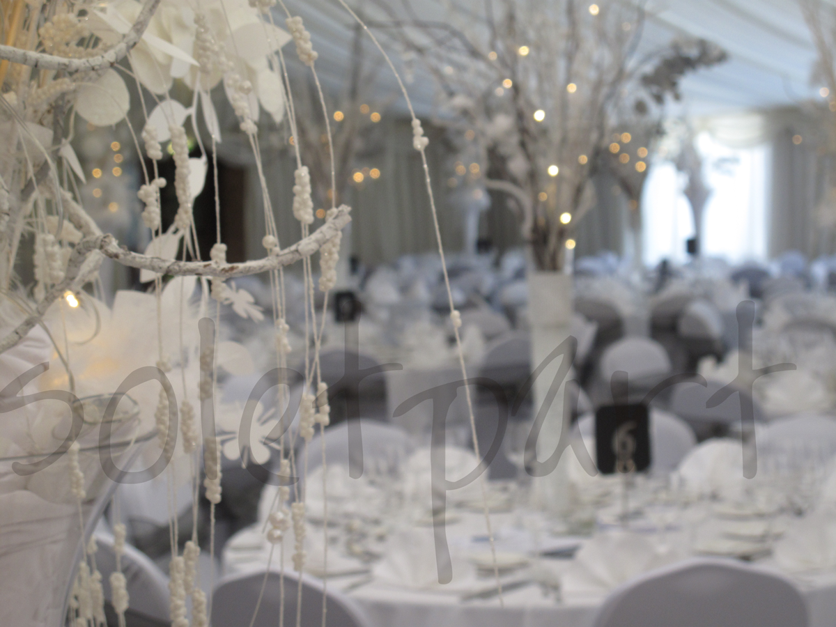 winter-wonderland-table-decoration-hire