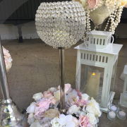 crystal-globe-table-decoration-with-flowers