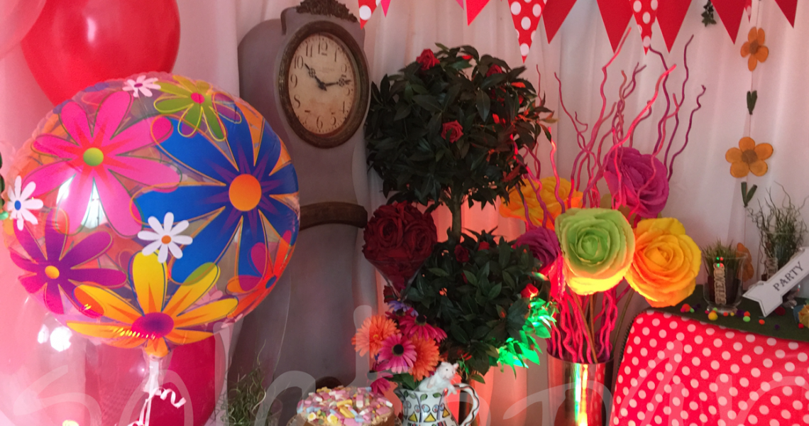 mad-hatter-themed-party-decor