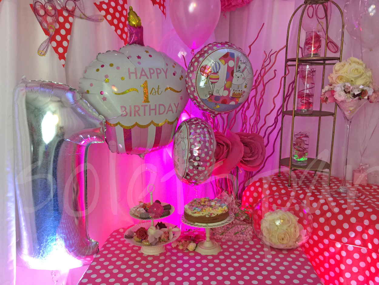 first-birthday-girls-party-decorations