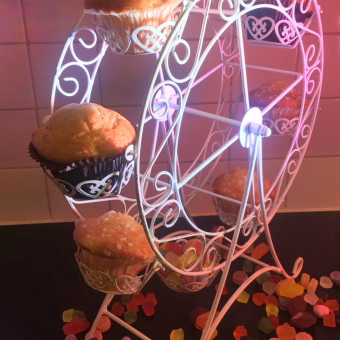 table-decoration-sweets-cupcake