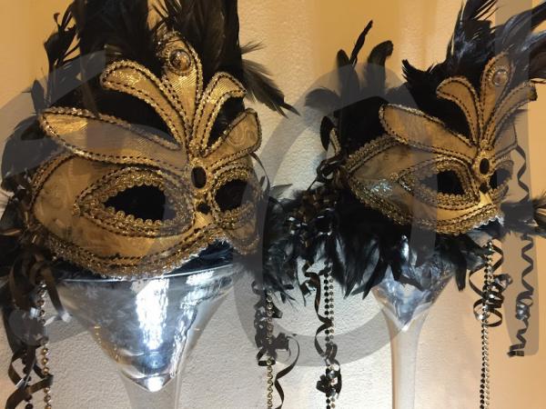 masquerade-table-decoration