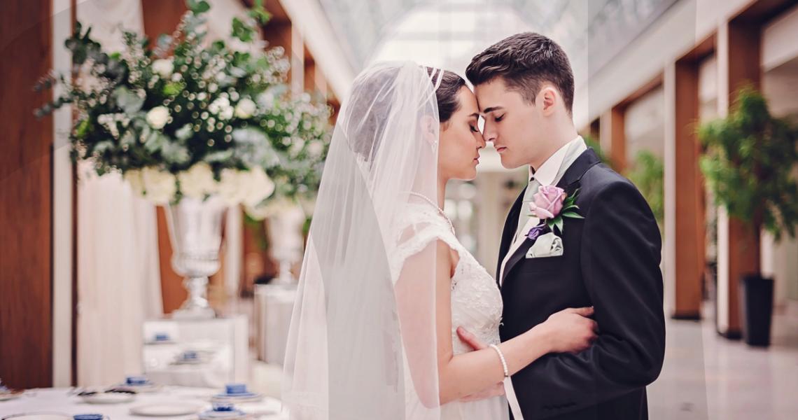 drape-background-ivory-wedding-hire