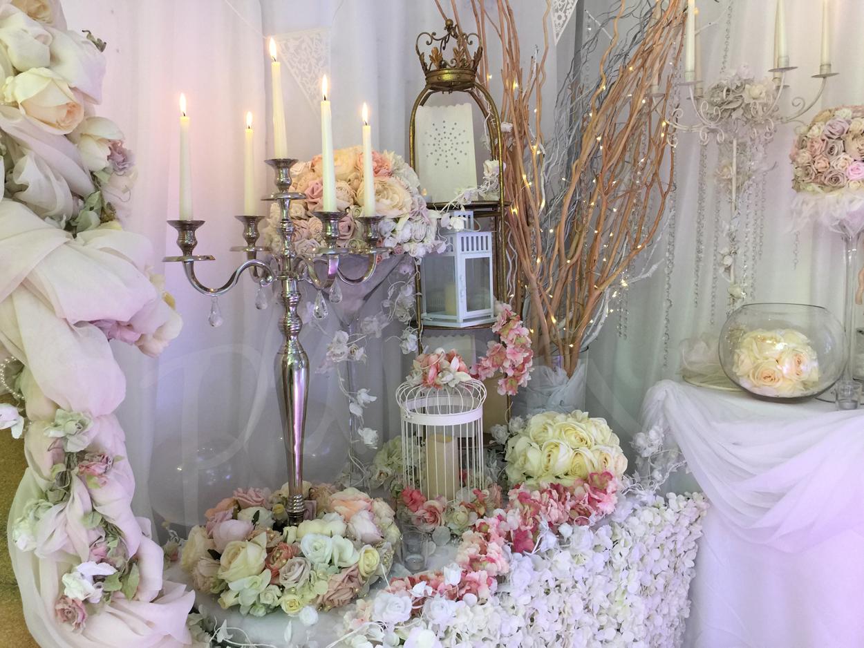 decoration-ivory-candelabra