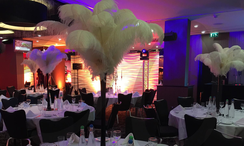 ostrich-paris-table-decoration-dressing-venue