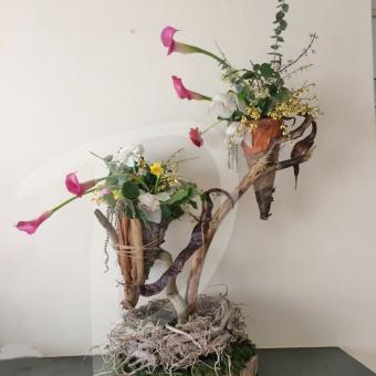 floral-sculpture-table-art